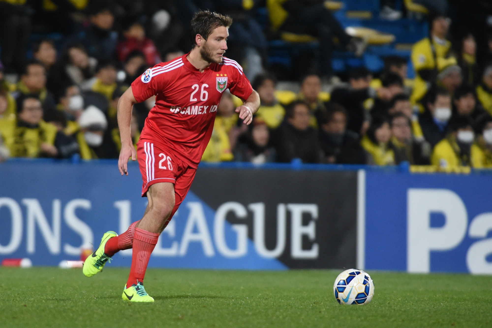 David Vrankovic in action for Binh Duong during the 2015 AFC Champions League.