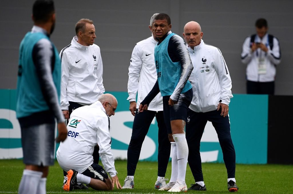Kylian Mbappe injured in France training