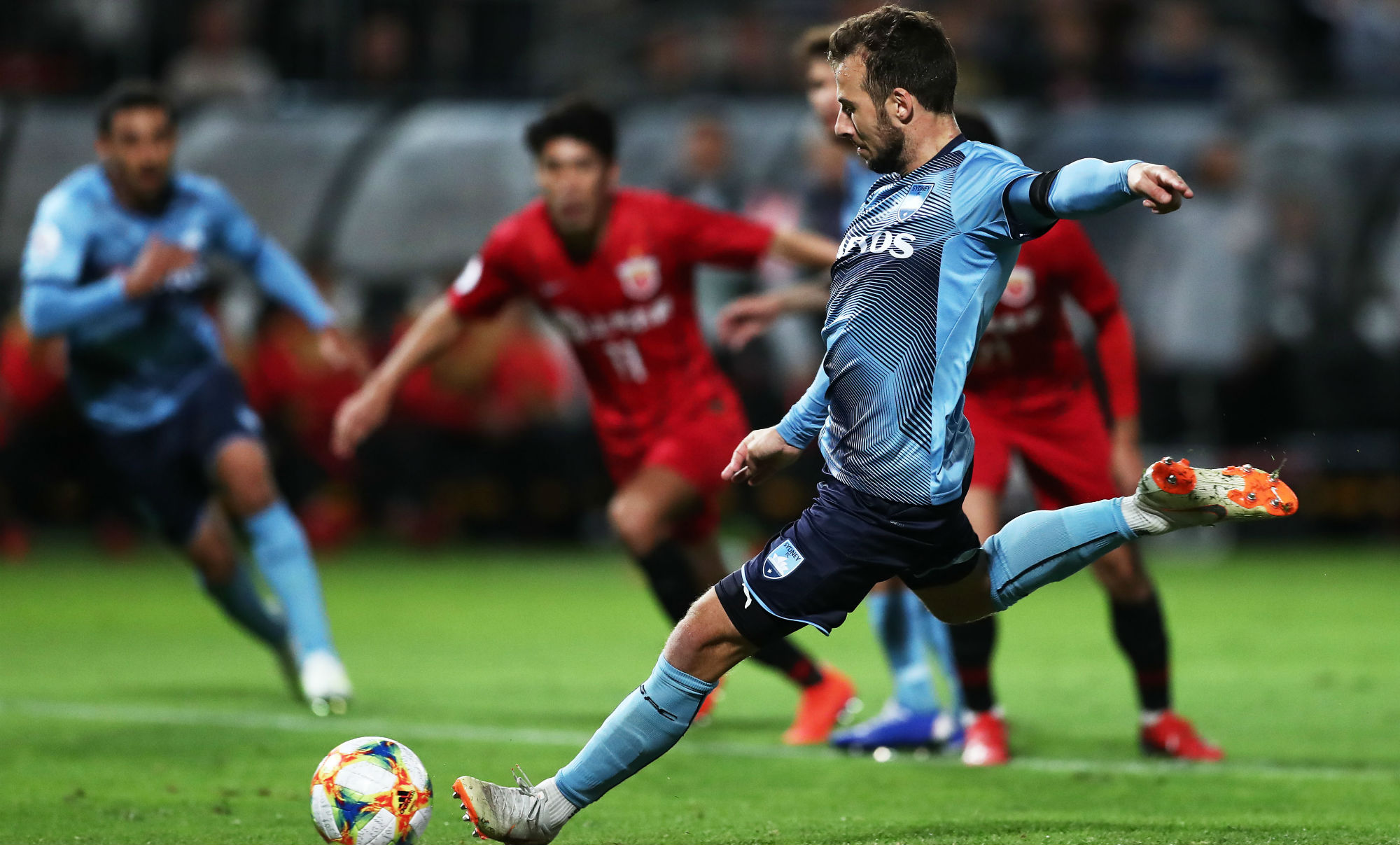 Adam Le Fondre fires Sydney FC ahead against Shanghai SIPG at Jubilee Oval