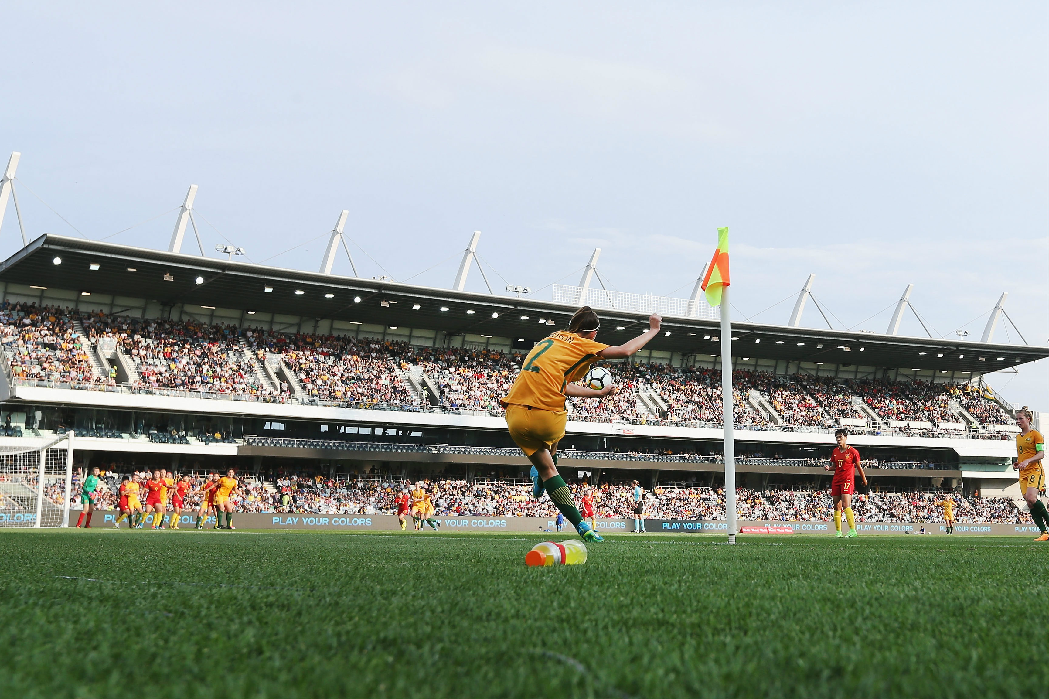 Amy Harrison sends in a corner for the Westfield Matildas.