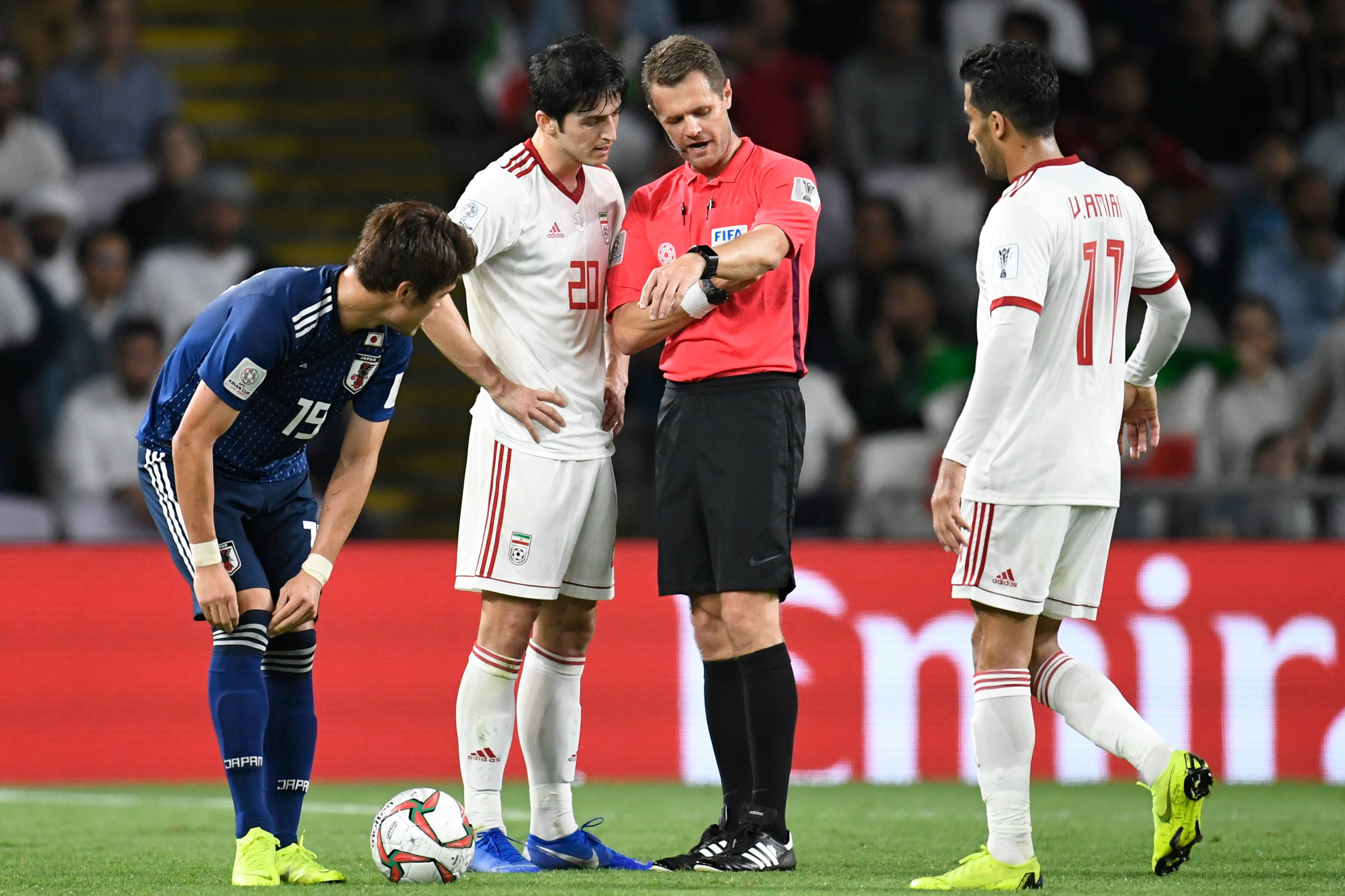 Chris Beath officiating at the 2019 AFC Asian Cup in the match between Iran and Japan