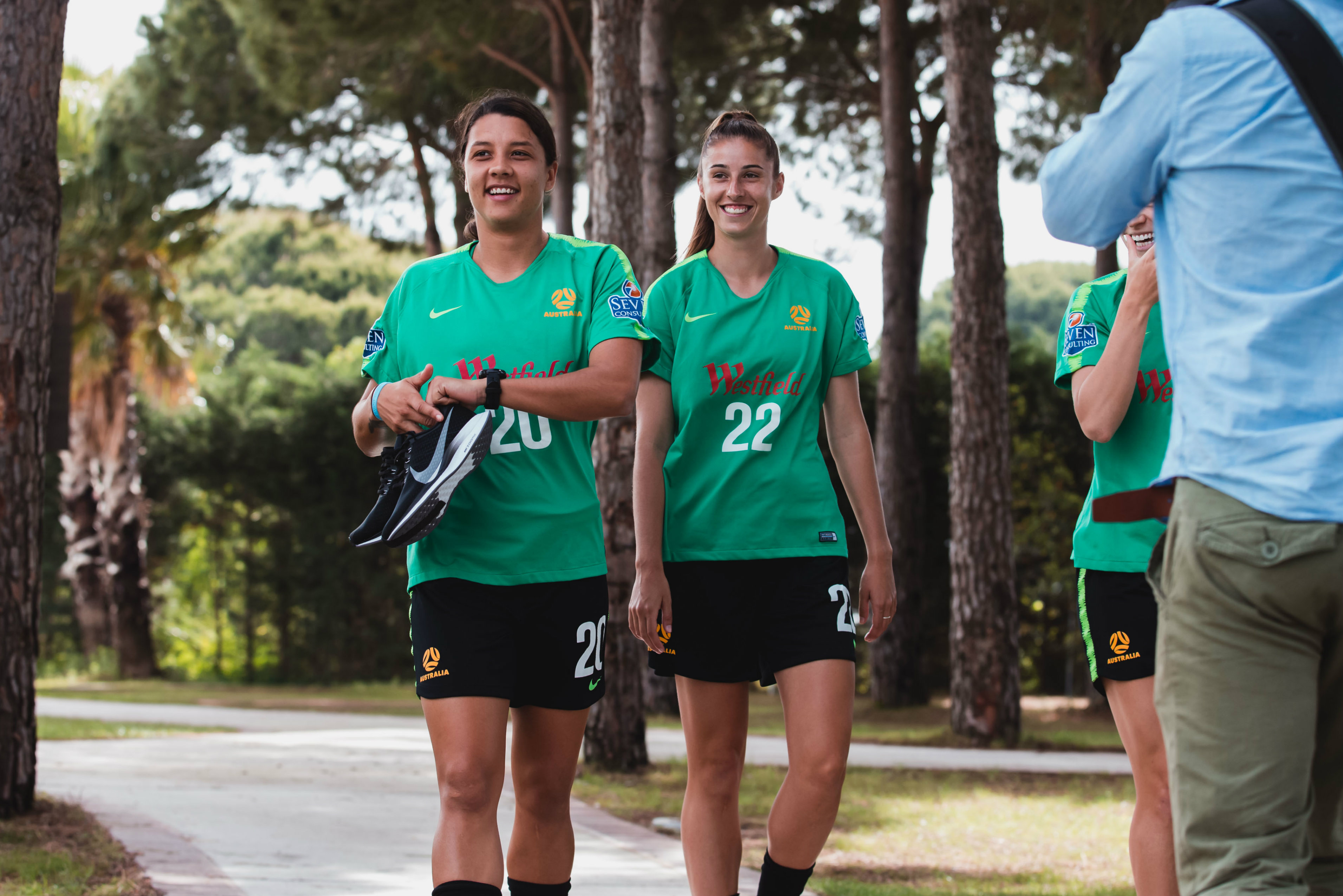 Her comes the skipper! Sam Kerr got straight into training once linking up with the squad