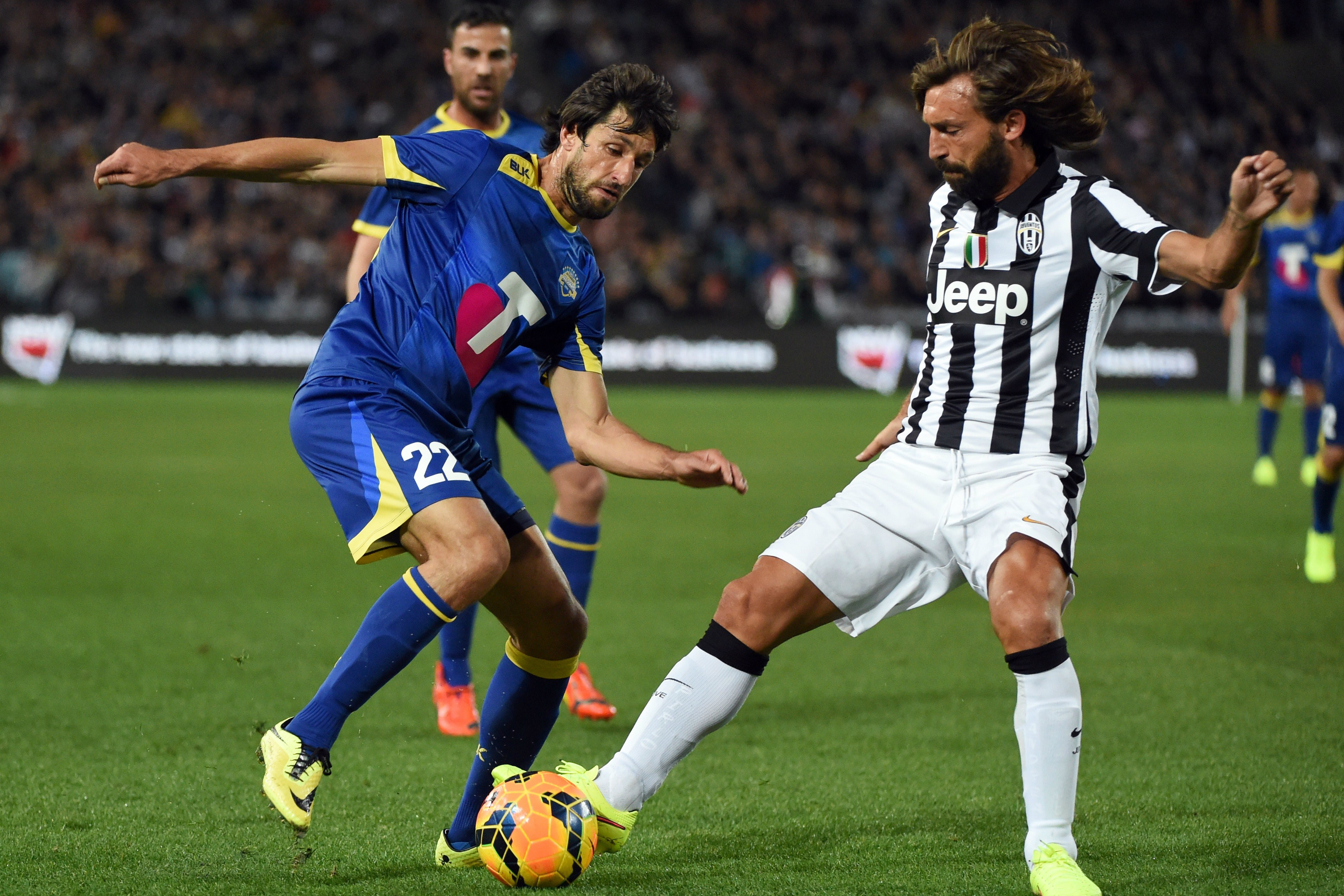 Pirlo tackles Del Piero