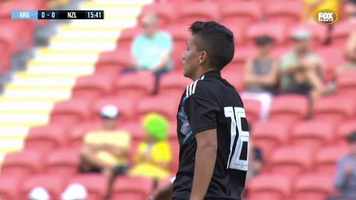 New Zealand go close in the first half