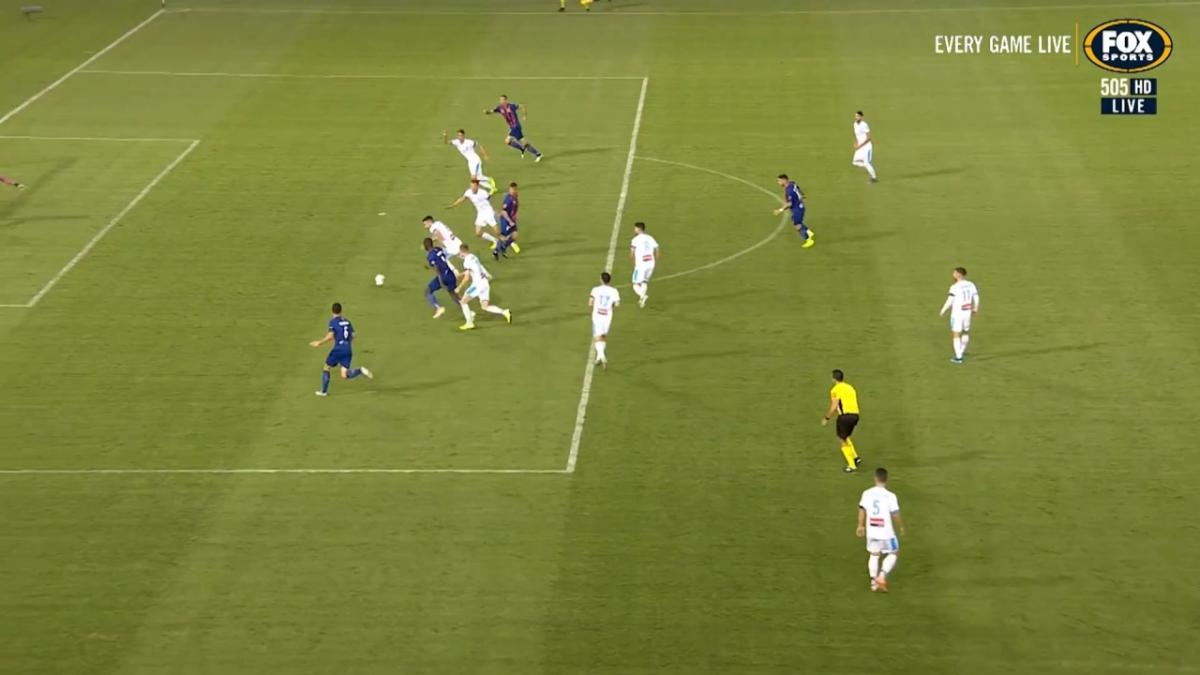 CHANCE: Arroyo - The Panamanian almost equalises