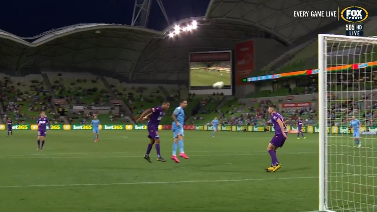 CHANCE: Maclaren - J-Mac can't find the target