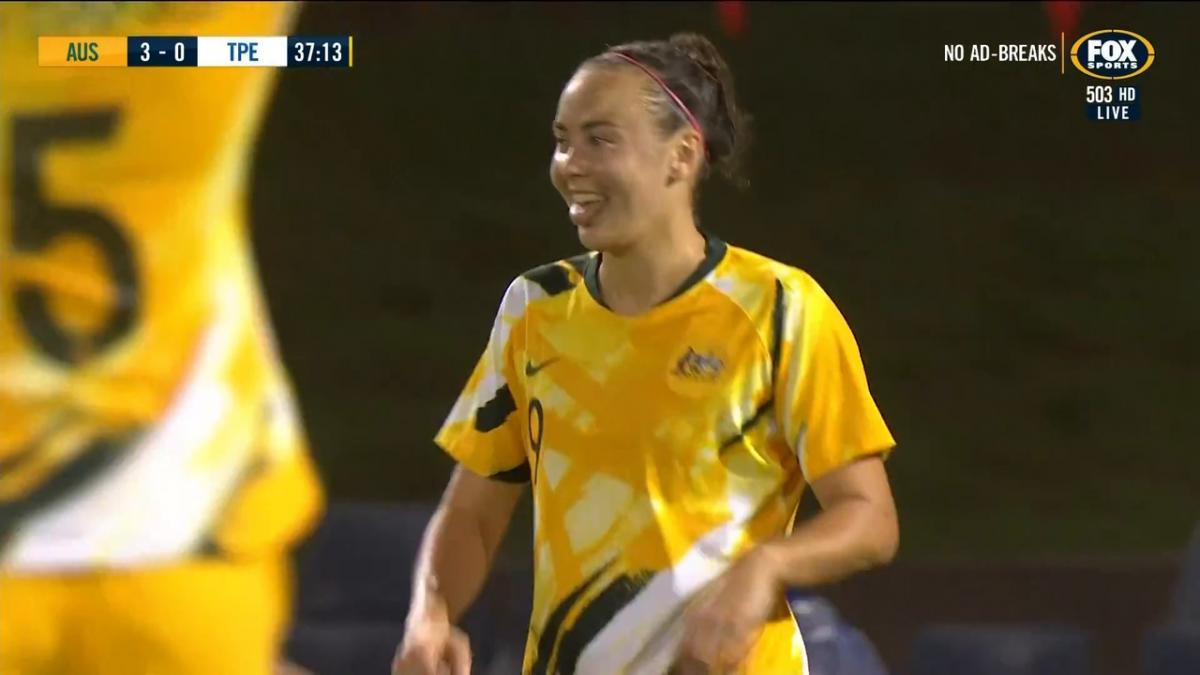 GOAL: Foord - Caitlin Foord bags a hat trick