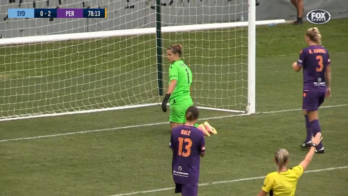 SAVE: Campbell - The Glory keeper denies Sydney