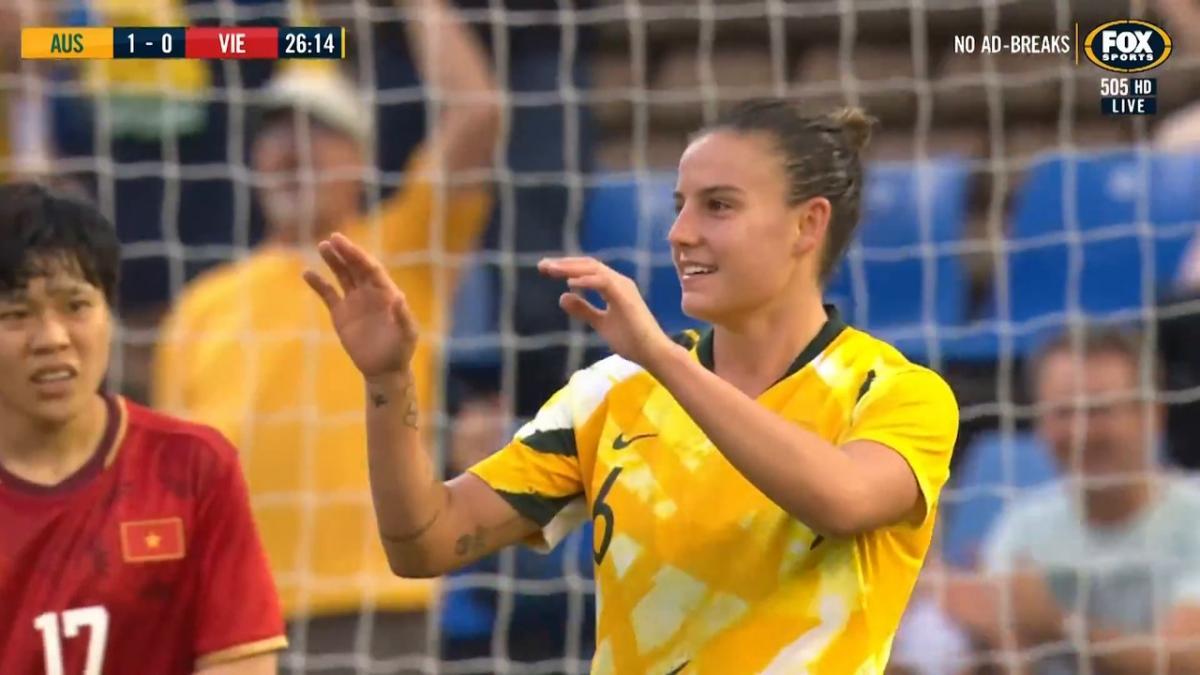 GOAL: Logarzo - Matildas make it two inside half an hour