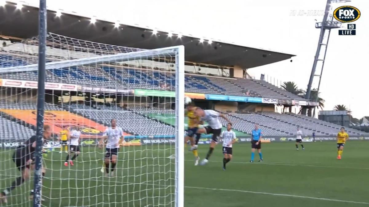 GOAL: Murray - Game on at the Central Coast