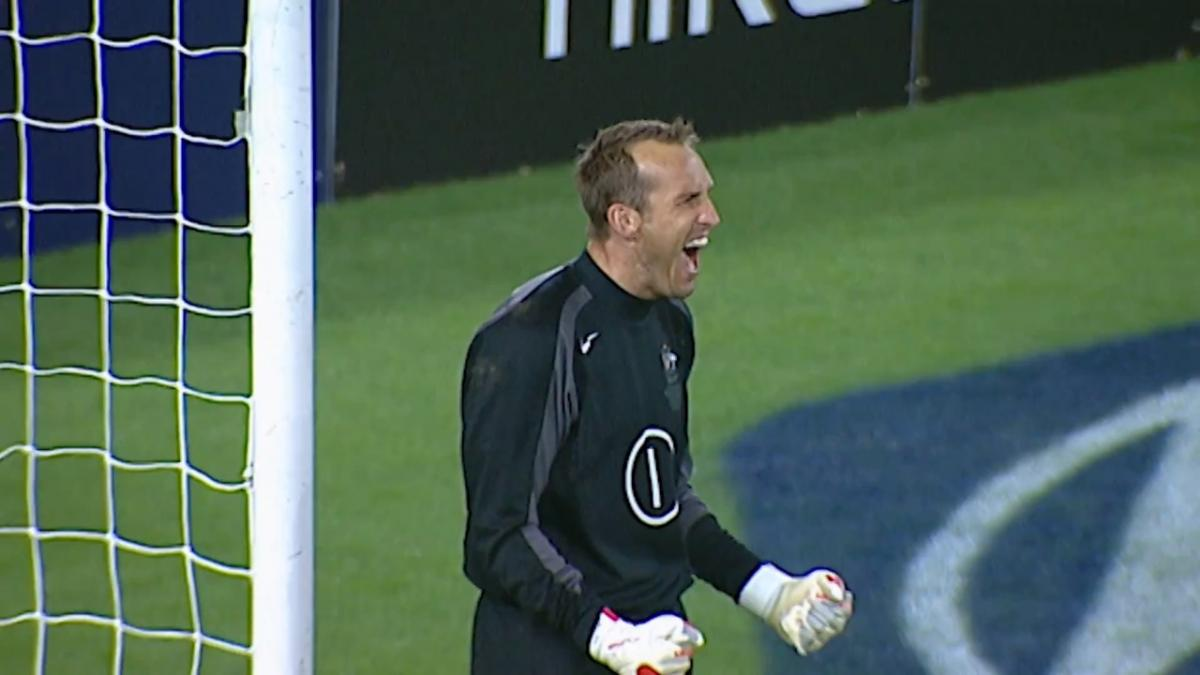 Mark Schwarzer's incredible penalty saves to put Socceroos on verge of FIFA World Cup