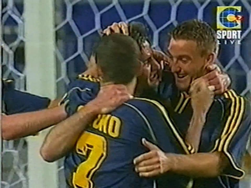 Socceroos defeat Mexico at FIFA Confederations Cup 2001