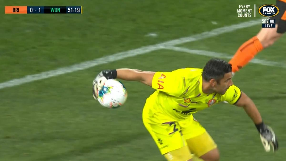 SAVE: Young - One-arm reflex from the shot-stopper