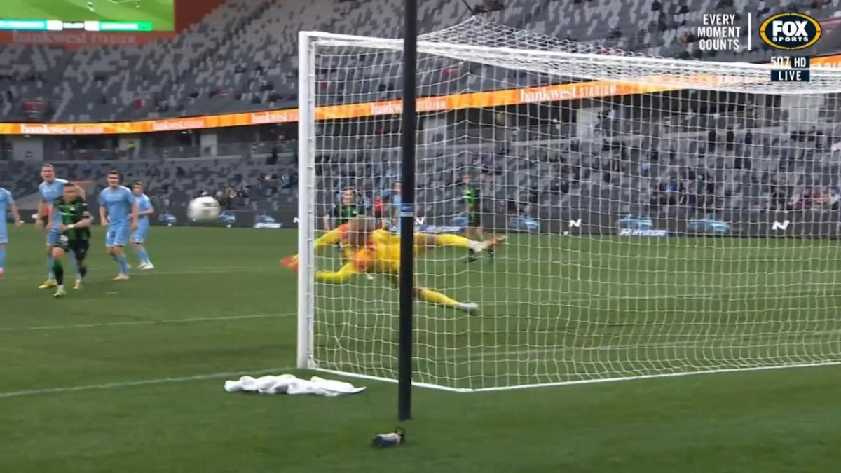 SAVE: Glover - Risdon tests out the City keeper