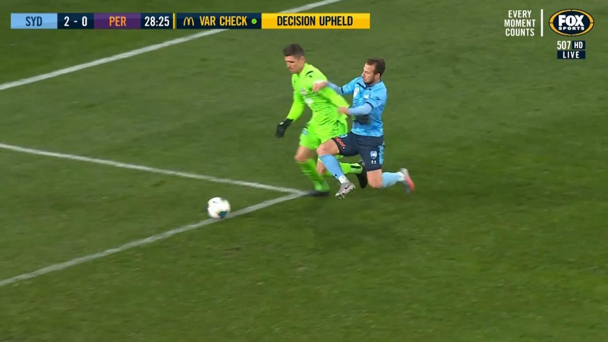 GOAL: Le Fondre - Reddy's howler gifts Sky Blues' second