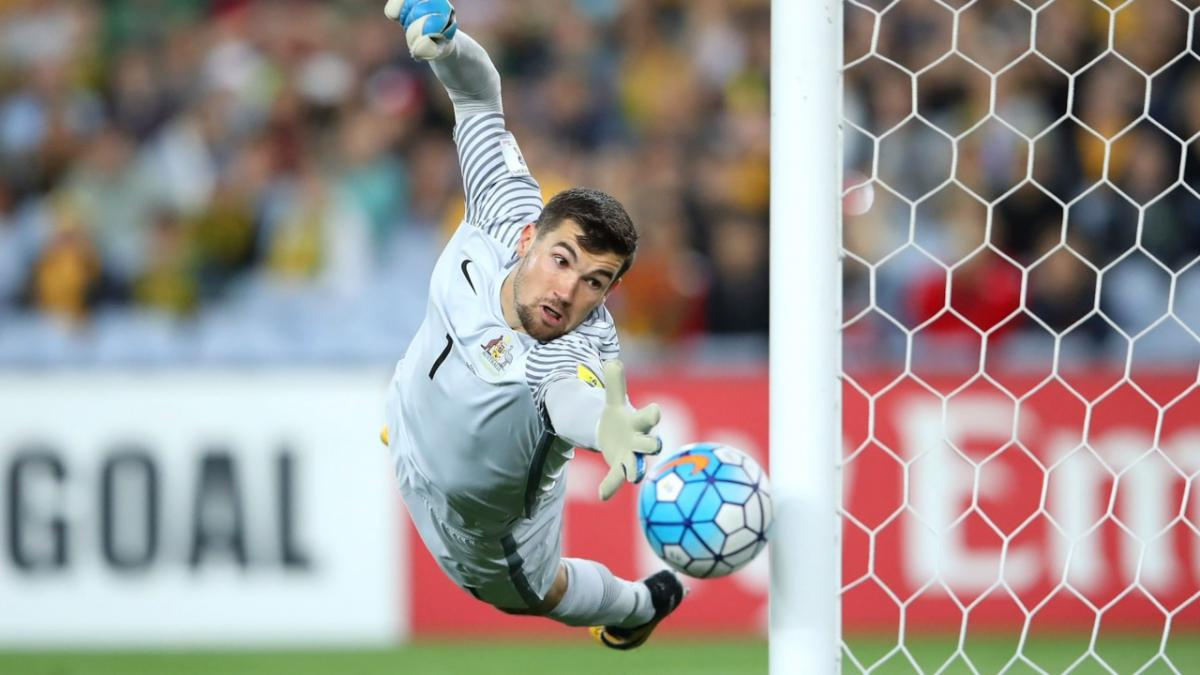 Mat Ryan talks through free kick at end of Syria 2017 FIFA World Cup playoff match