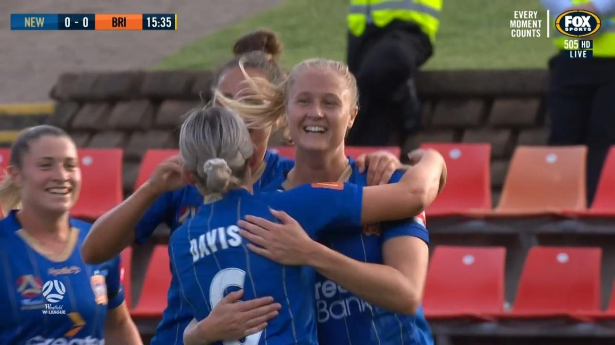 GOAL: Andrews - Jets forward climbs above Roar defence to head home