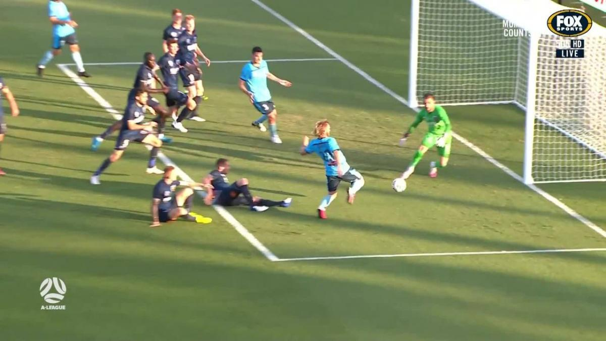 SAVE: Birighitti - Mariners keeper closes Grant down quickly