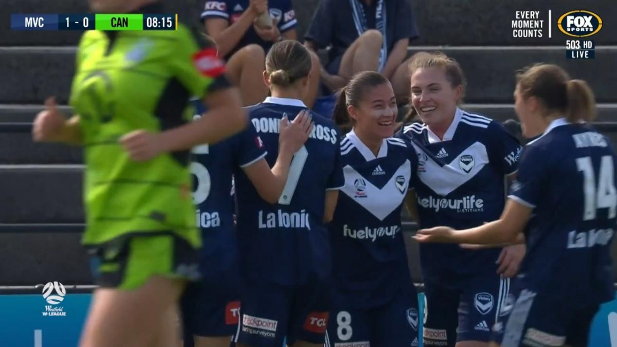 GOAL: Angela Beard opens scoring for Melbourne Victory