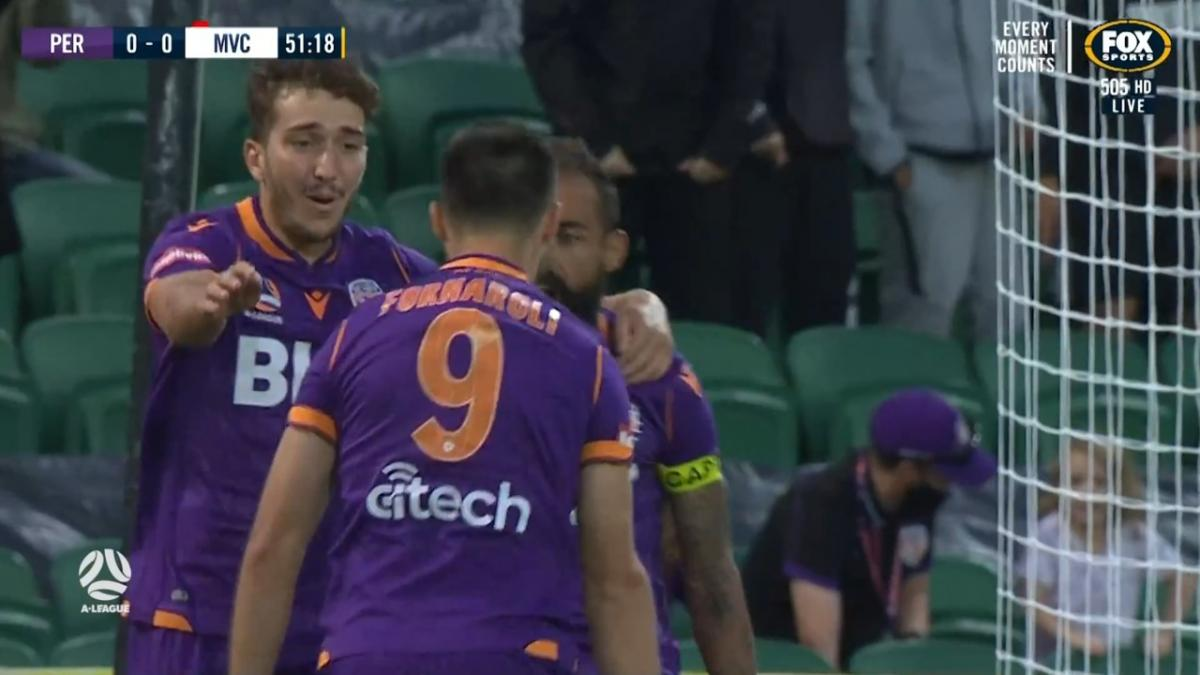 GOAL: Fornaroli - Perth make the most of the extra man