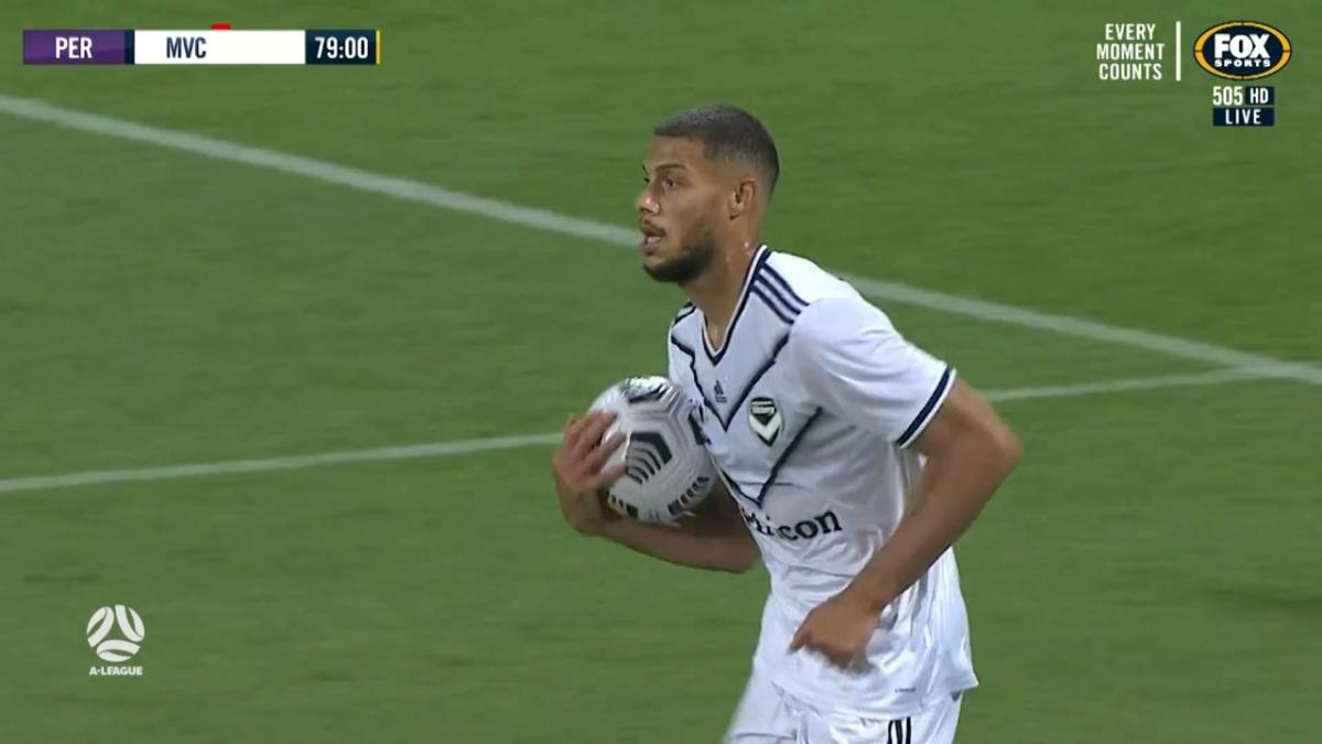 GOAL: Gestede - Ten-men Victory putting up a fight