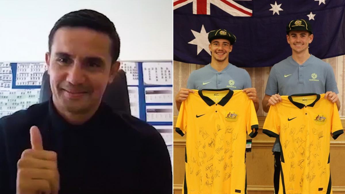 Tim Cahill virtually presents debutants Genreau, Metcalfe and Tongyik with Socceroos caps