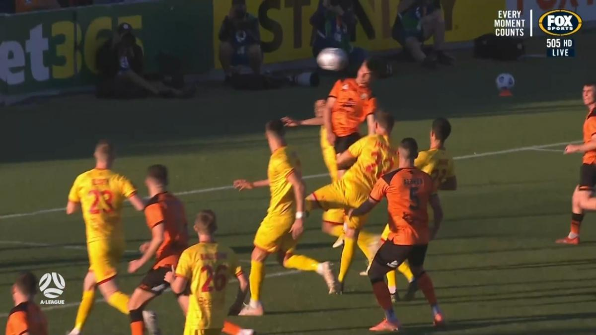 GOAL: Parsons - Roar's young talent does it again