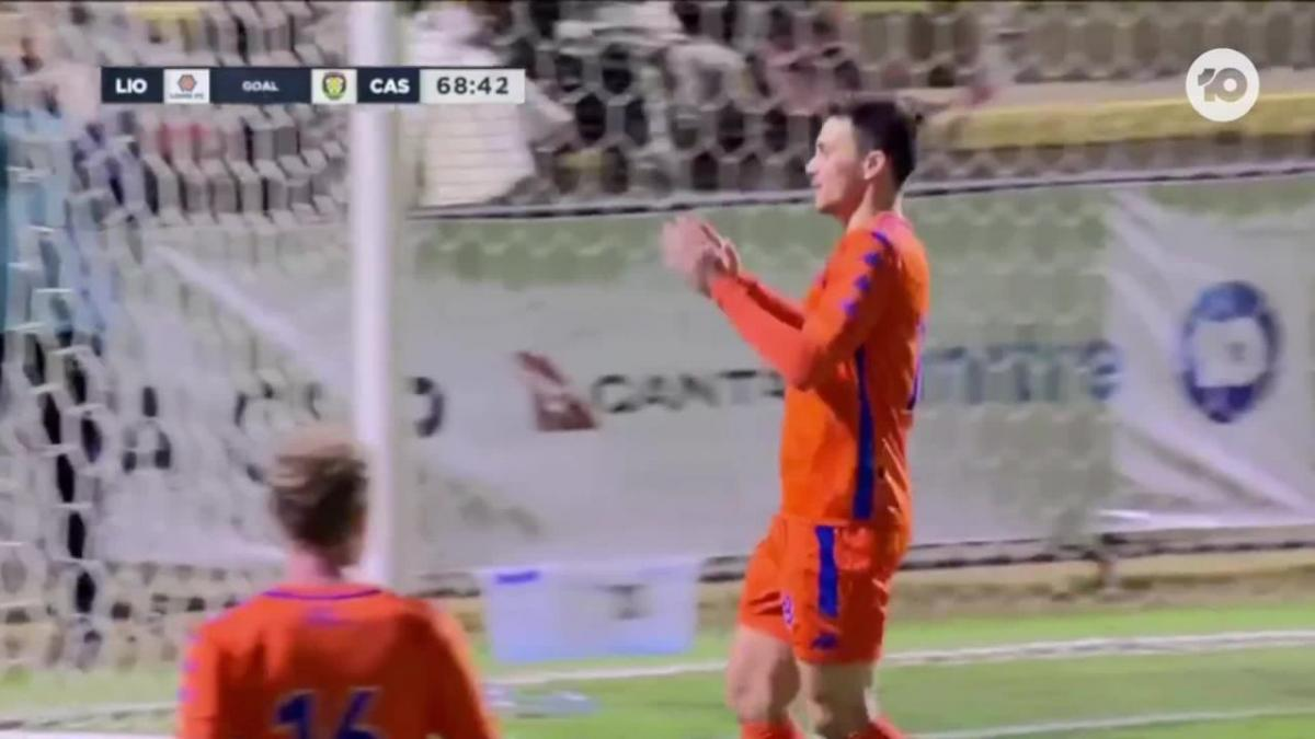 GOAL: Farina - Striker gets his second of the night
