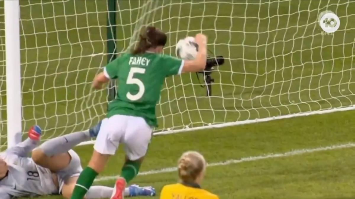GOAL: O'Sullivan - Former W-League player restores Ireland's lead