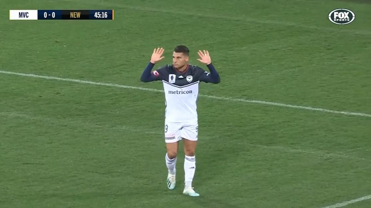 Full-time highlights: Melbourne Victory v Newcastle Jets