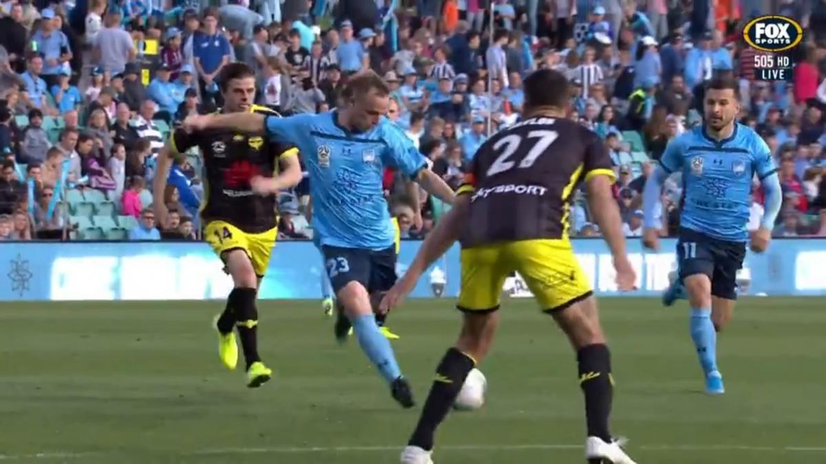 Sydney FC v Wellington Phoenix | Mini-Match Highlights | Hyundai A-League