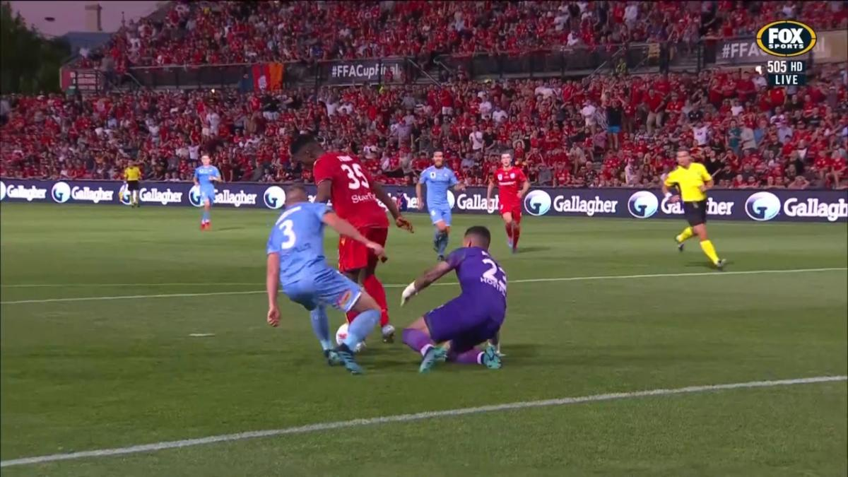 Donate Life Save of the Night | Dean Bouzanis | FFA Cup Final 2019