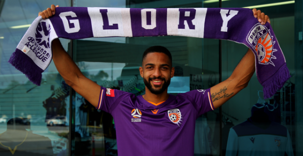 Perth have signed Swiss defender Gregory Wüthrich