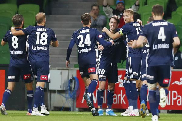 Melbourne Victory celebrate Kruse's goal