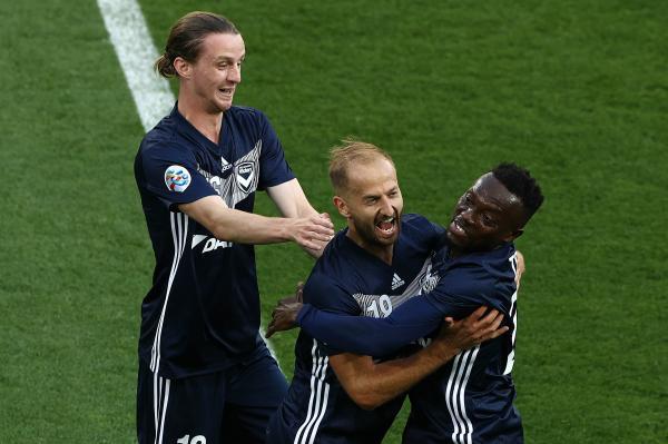 Melbourne Victory celebrate a goal