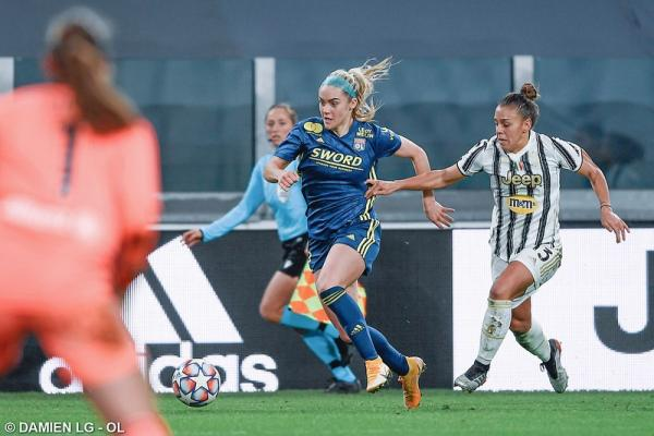 Carpenter UWCL Debut