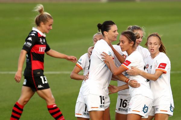 Emily Gielnik; Brisbane Roar celebrate