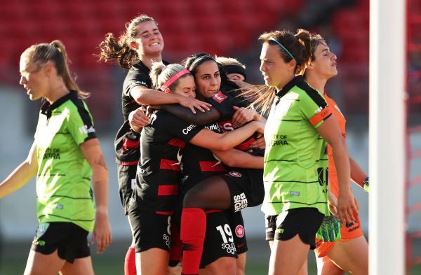 Leena Khamis, Sham Khamis, Western Sydney Wanderers, Canberra United, Westfield W-League